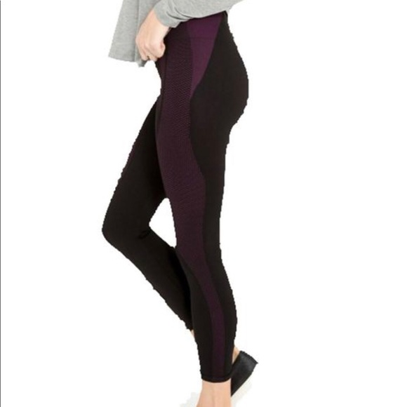 ccd0a46c2817eb SPANX cropped seamless athletic leggings. M_5c0b59444ab63379c7288dda